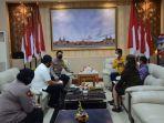 ketua-pengurus-wilayah-bali-ikatan-notaris-indonesia-i-wayan-muntra-sh-beserta-rombongan.jpg
