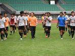 ketua-umum-pssi-mochamad-iriawan-latihan-bersama-pemain-timnas-u-16.jpg
