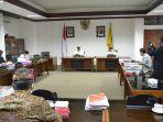 komisi-iv-dprd-bali-menggelar-rapat-kerja-raker-bersama-dinas-kesehatan-dinkes-provinsi-bali.jpg