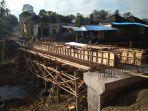 kondisi-pembangunan-jembatan-penghubung-desa-bongan-dan-desa-gubug-tabanan-bali.jpg