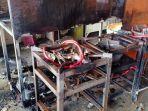 kondisi-warung-mie-ayam-bandung-yang-terbakar-pada-bagian-dapurnya.jpg