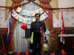 lasro-simbolon-wakil-kepala-perwakilan-kbri-moskow-dalam-pertemuan-temu-masyarakat-indonesia.jpg