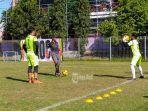 latihan-tim-sepakbola-porprov-badung-di-lapangan-banteng.jpg