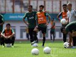 live-streaming-timnas-thailand-vs-timnas-indonesia-di-piala-aff-2018-rusak-rekor-gajah.jpg