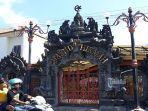 masjid-al-hikmah-di-jalan-soka-kesiman-denpasar-miliki-arsitektur-bali.jpg