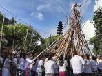 mengungkap-sejarah-tradisi-mekotek-dan-kekutan-kayu.jpg