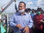 menteri-kkp-edhy-prabowo-saat-mengunjungi-ppn-pengambengan-kamis-1382020.jpg