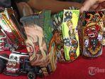 mobil-mainan-hot-wheels-dengan-lukisan-goresan-tangan-kadek-sanjaya.jpg