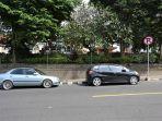 mobil-parkir-yang-mengabaikan-rambu-di-seputaran-jalan-flamboyan-menjadi-sorotan-anggota.jpg