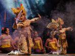 panggung-seni-tradisi-tampilkan-tari-sang-hyang-dan-kecak-dari-ubud-gianyar.jpg
