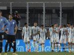 para-pemain-argentina-merayakan-setelah-mencetak-gol-kedua-melawan-uruguay.jpg
