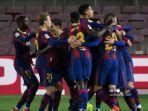 para-pemain-barcelona-merayakan-kemenangan.jpg