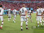 para-pemain-portugal-merayakan-akhir-pertandingan-sepak-bola-grup-f-uefa-euro.jpg