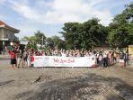 para-peserta-we-love-bali-program-10-trip-nusa-penida-sedang-berfoto-bersama.jpg