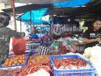 pedagang-bahan-pokok-di-pasar-badung.jpg