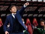 pelatih-inter-milan-italia-antonio-conte-memberi-isyarat-selama-pertandingan.jpg