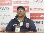 pelatih-pusamania-borneo-fc-iwan-setiawan_20170906_145933.jpg