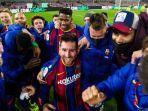 pemain-barcelona-lionel-messi-merayakan-keberhasilan-blaugrana-ke-laga-comeback.jpg