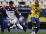pemain-chili-sebastian-vegas-kiri-dan-pemain-brasil-neymar.jpg