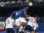 pemain-everton-abdoulaye-doucoure-everton-vs-tottenham.jpg