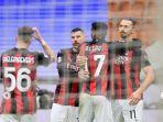pemain-muda-ac-milan-rafael-leao-memeluk-striker-gaek-rossoneri-zlatan-ibrahimovic.jpg