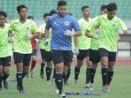 pemain-timnas-u16-indonesia-berlatih-di-stadion-patriot-bekasi.jpg