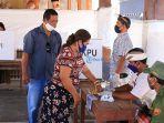 penerapan-protokol-kesehatan-saat-pemungutan-suara-pemilihan-perbekel-di-desa-sulang.jpg