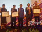 penghargaan-kominfo-denpasar_20180426_172734.jpg