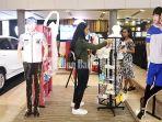 pengunjung-mall-level-21-kunjungi-stand_20180705_183106.jpg