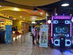 pengunjung-mencoba-wahana-permainan-di-ramayana-deptstore-denpasar-r.jpg