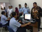 peninjauan-sejumlah-unit-pelayanan-di-kantor-imigrasi-kelas-i-denpasar_20180917_160406.jpg
