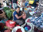 penjual-bunga-di-pasar-kreneng-denpasar-bali.jpg