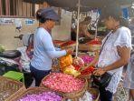 penjual-bunga-pacah-di-pasar-sukawati.jpg