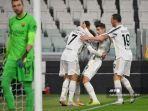 penyerang-portugal-juventus-cristiano-ronaldo-merayakan-gol-bersama-rekan.jpg