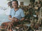 perajin-patung-kayu-di-desa-singakerta-ubud-dewa-nyoman-wartawa.jpg