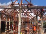 perbaikan-pasar-pada-bagian-atap-yang-dilakukan-dinas-pupr-kabupaten-badung-kamis-2082020.jpg