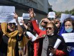 perempuan-afghanistan-ikut-serta-dalam-pawai-protes.jpg