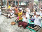persembahyangan-hari-suci-saraswati-di-pura-kodim-bangli-sabtu-13102018_20181013_112838.jpg