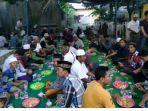 persiapan-buka-puasa-di-masjid-muhammad.jpg