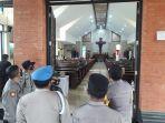 personel-kepolisian-melakukan-penjagaan-di-sejumlah-gereja-di-klungkung.jpg