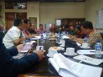 pertemuan-stakeholder-terkait-raperda-desa-adat.jpg