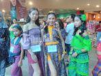peserta-lomba-fashion-show-casual-endek-di-lippo-mall-minggu-2652019.jpg