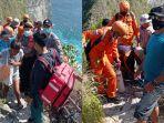 petugas-gabungan-membantu-dua-korban-wisatawan-domestik.jpg