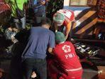 petugas-medis-bpbd-denpasar-menangani-korban-laka-lantas-di-simpang-jalan-imam-bonjol.jpg