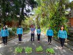 pkk-denpasar-dan-dinas-pertanian-bagikan-bibit-hortikultura-gratis-di-empat-kecamatan.jpg