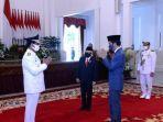 presiden-joko-widodo-melantik-isdianto-sebagai-gubernur-kepulauan-riau-di-istana-negara.jpg