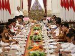 presiden-joko-widodo-memberikan-arahan-saat-memimpin-sidang-kabinet-paripurna-di-istana-merdeka.jpg
