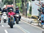 presiden-republik-indonesia-joko-widodo-mengendarai-motor-baru.jpg