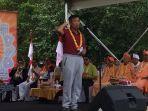 presiden-world-hindu-parisad-made-mangku-pastika.jpg