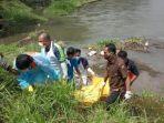 pria-asal-tabanan-bali-ditemukan-tewas-mengambang-di-sungai-berantas.jpg